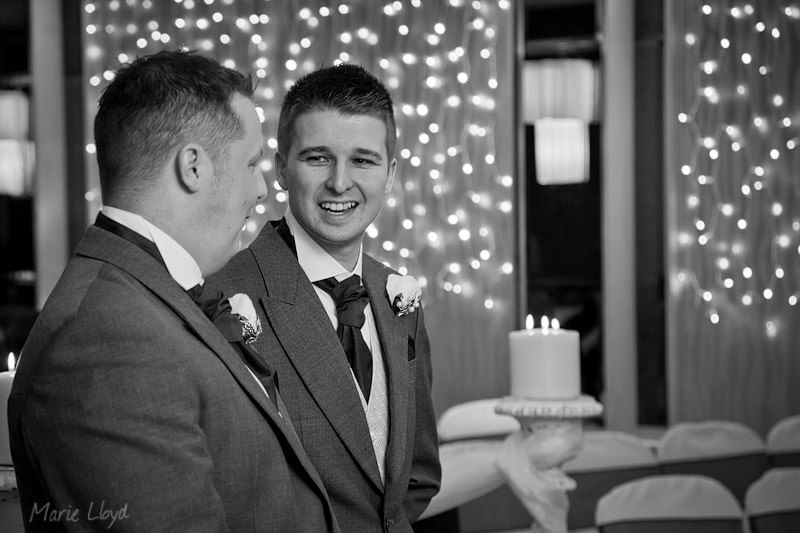 Groom and bestman look relaxed at Grosvenor Pulford