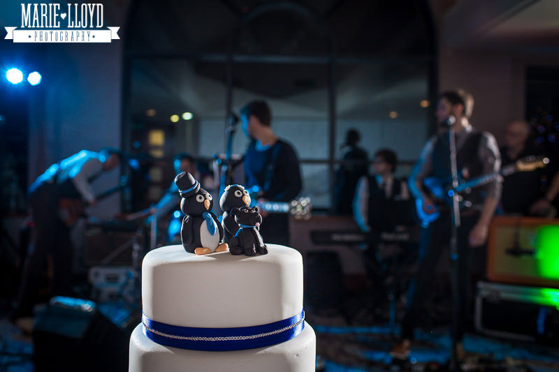 Quay Hotel Deganwy wedding cake with band in the background