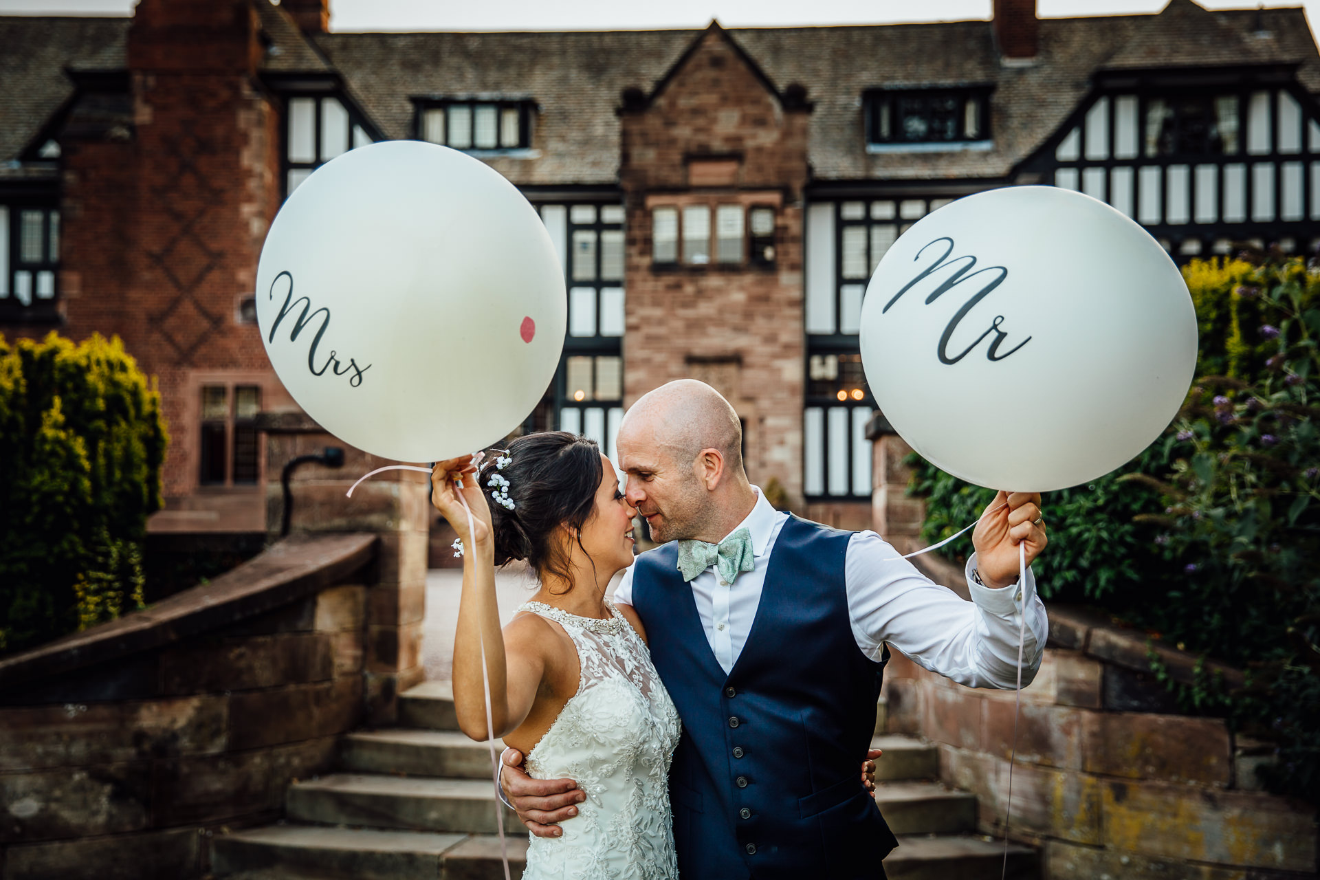 WEDDING PHOTOGRAPHY with mr and mrs balloons at inglewood manor